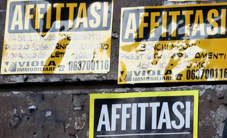 Milano, non affitta casa ai meridionali