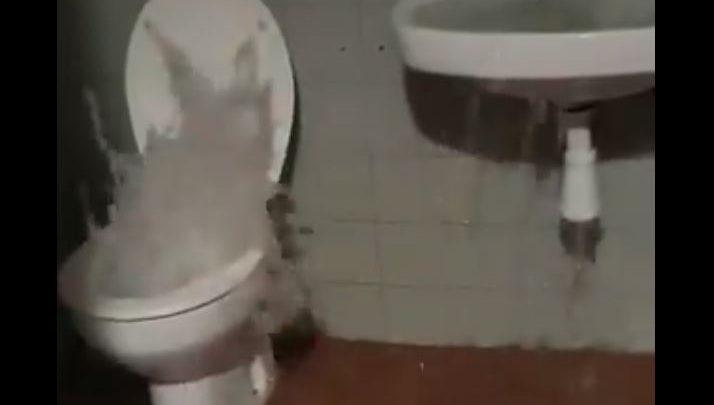 bagno erutta acqua maltempo video