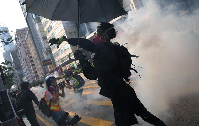 hong kong molotov polizia