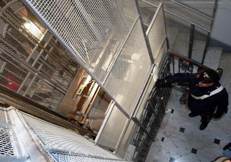 Roma, maniaco degli ascensori