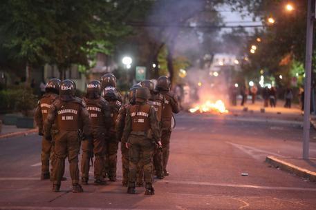 Cile scontri proteste