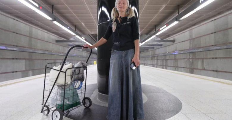 senzatetto cantante