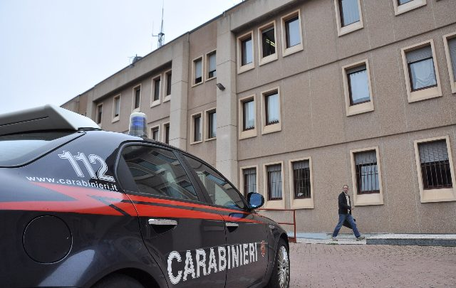 uccide madre ragusa