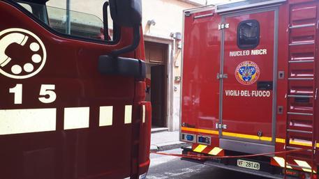 Roma incendio vigili del fuoco