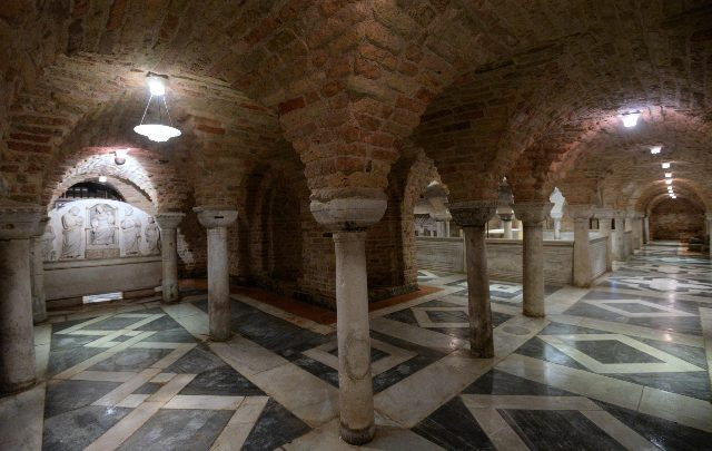 venezia acqua alta basilica san marco